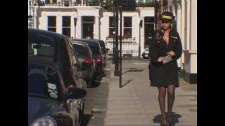 Britse parkeerwacht neemt een betaling in natura aan
