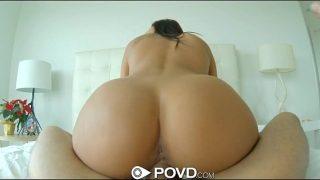 Gianna Nicole met haar dikke tieten wordt stevig uitgewoond