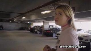 Zelda overgehaald tot sex in parkeergarage