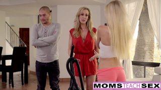 Sperma verslaafde Alex Grey doet het met haar stiefmoeder en broer