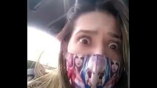 Sara squirt in het openbaar vervoer, super geil meisje